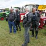 Fach- und sachkundiges Publikum auch beim Traktoren-Treffen.
